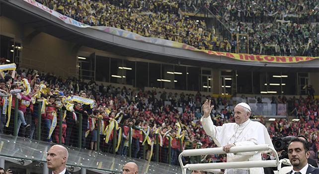 Ragazzi, promettete a Dio e al Papa: mai bullismo!
