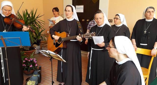 Le suore più social sono loro: le Clarisse del Santissimo Sacramento